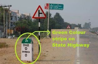 Green colour stripe on State Highway