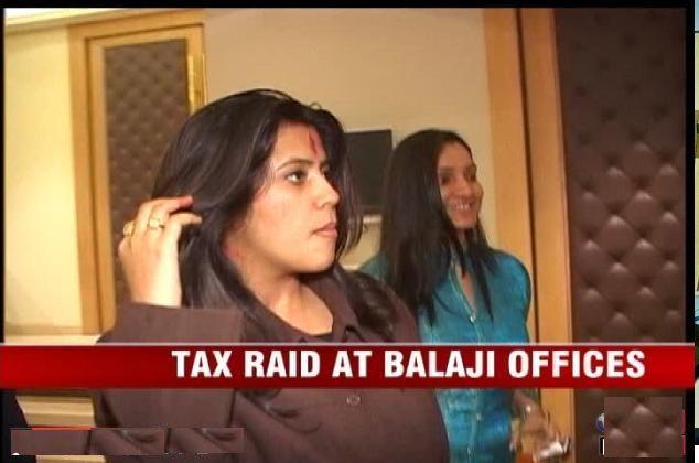 Income-tax-raid-in-mumbai