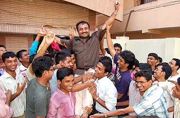 Super 30 cracked JEE Advanced 2017