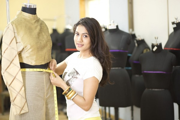 At 17 Become A Famous Fashion Designer