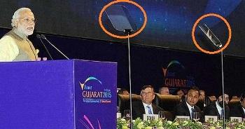 In Gujarat Modi use Teleprompter