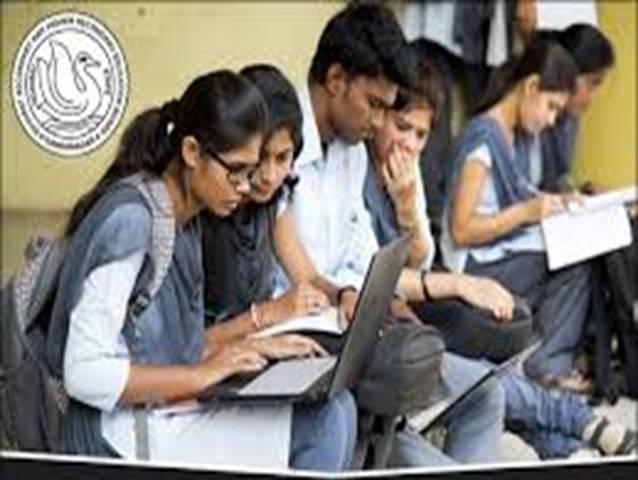 gujarat-board-to-offer-mathematics-to-non-science-students-from-this-year-body-image