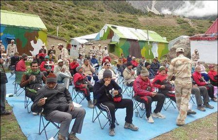 itbp-helping-kailash-yatra-pillgrims