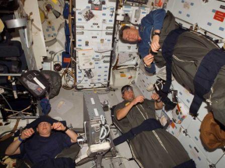 sleeping-in-space