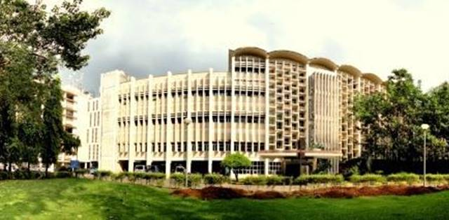 What makes IIT Bombay the best IIT in the country?