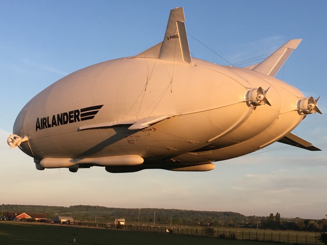 World's largest aircraft Airlander 10 completes successful test flight