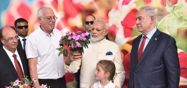 Modi visits Danziger Flower Farm=