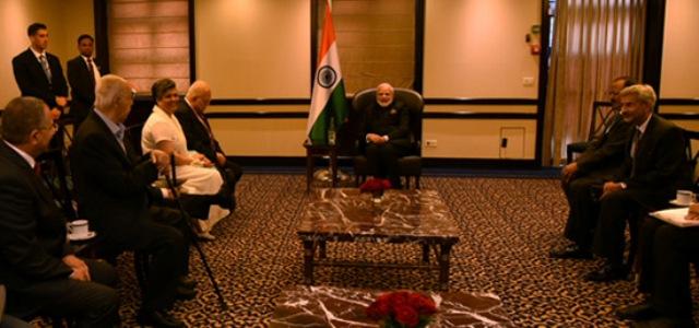 Modi meets three Pravasi Bharatiya Samman Awardees from Israel =