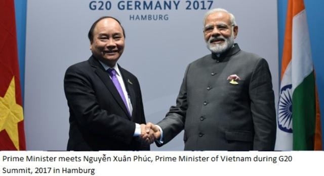 Prime Minister Modi meets Nguyễn Xuân Phúc, Prime Minister of Vietnam=