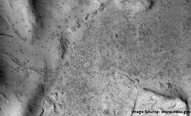 NASA orbiter spots strange secondary craters on Mars