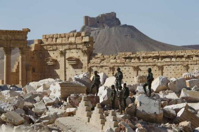 Syrian troops recaptured Palmyra from IS