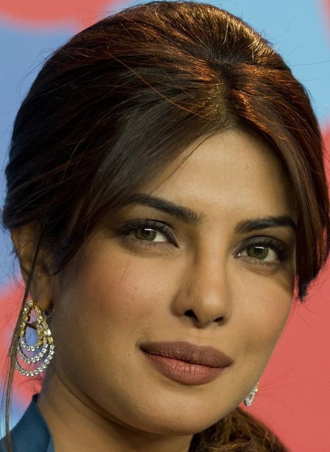 Read more Current Affairs on: Priyanka Chopra , Guess , fashion brand