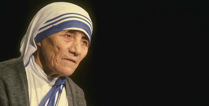 short essay on mother teresa in english Write a short essay on mother teresa article shared by mother teresa  popularly known as the 'saint of the gutters', today stands as the brightest star in  the.