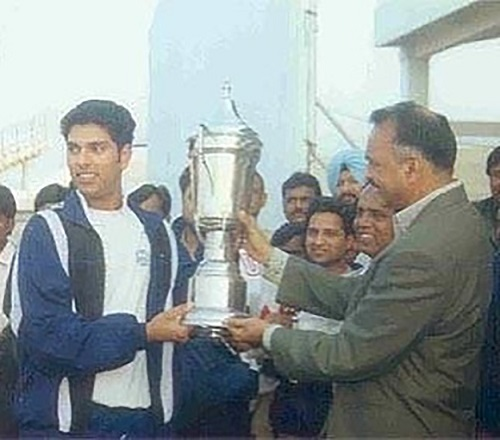 YUVRAJ-SINGH-under-19c-world-cup