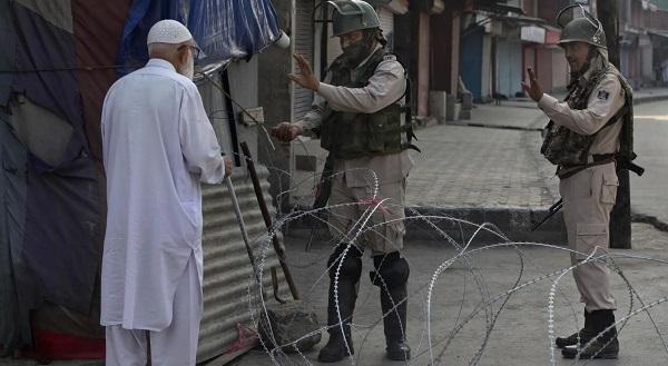 curfew-in-kashmir