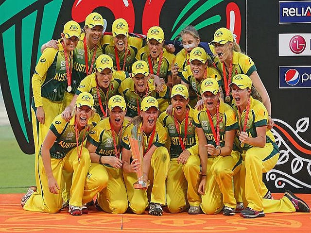 Australian Team with ICC Women Cricket World Cup 2020 Trophy
