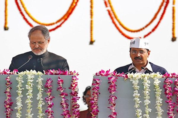 kejriwal-taking-oath-cm-delhi