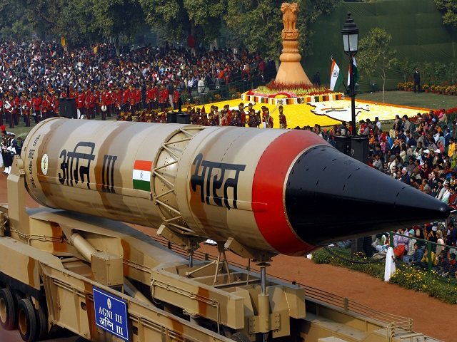Who has command of nuclear weapons of India