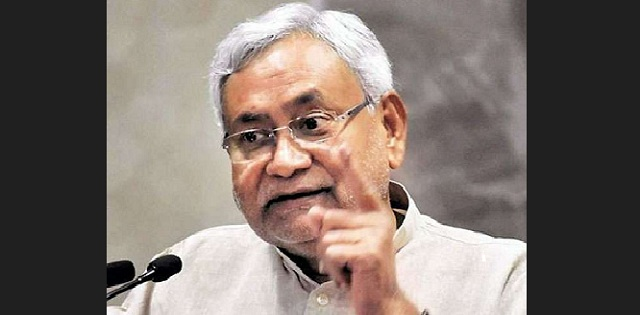 Modi has the guts, leads from front, says Nitish